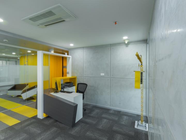 Дизайн интерьера современного офиса: стеклянные стены