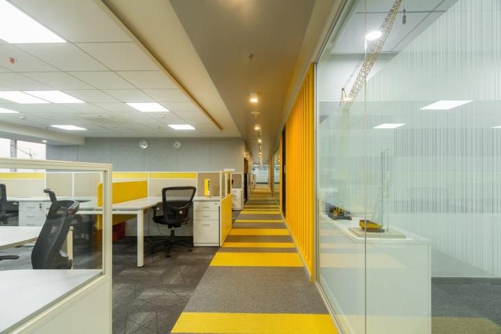 Дизайн интерьера современного офиса компании Liebherr - фото 3