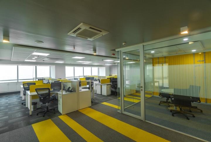Дизайн интерьера современного офиса компании Liebherr - фото 5