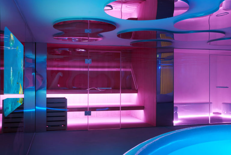 Дизайн интерьера спа салона: сауна за стеклом