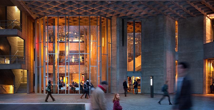 Дизайн интерьера театра: скульптурные свойства сооружения
