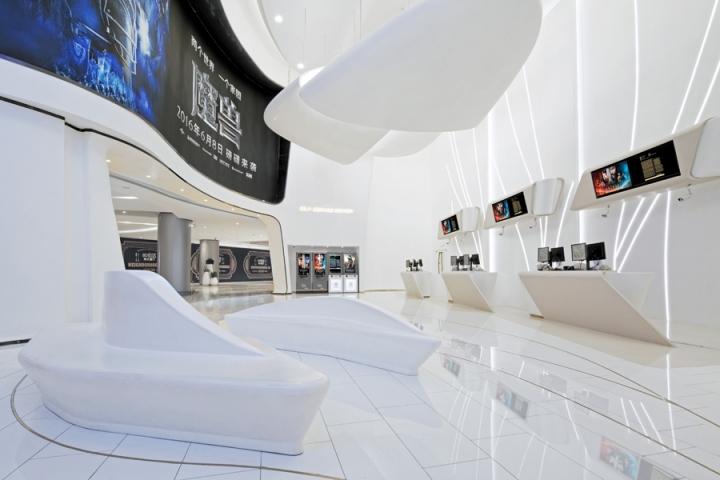 Дизайн кинотеатров: белый цвет интерьера