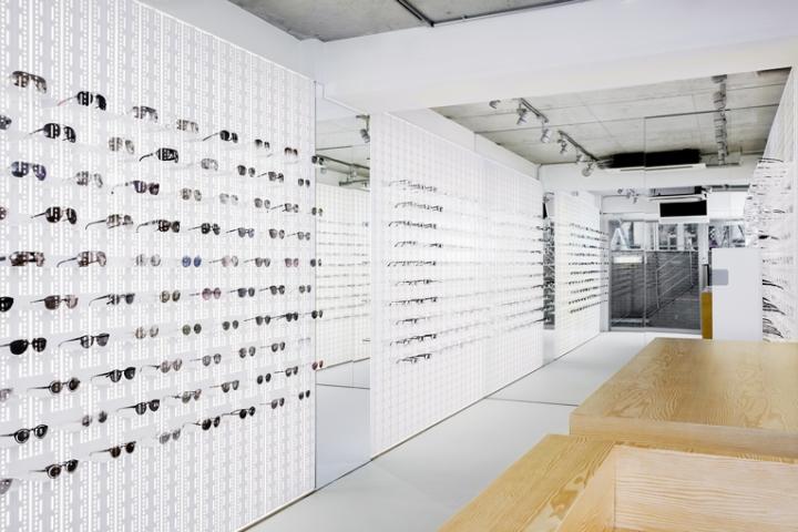 Дизайн магазина оптики «Mykita»