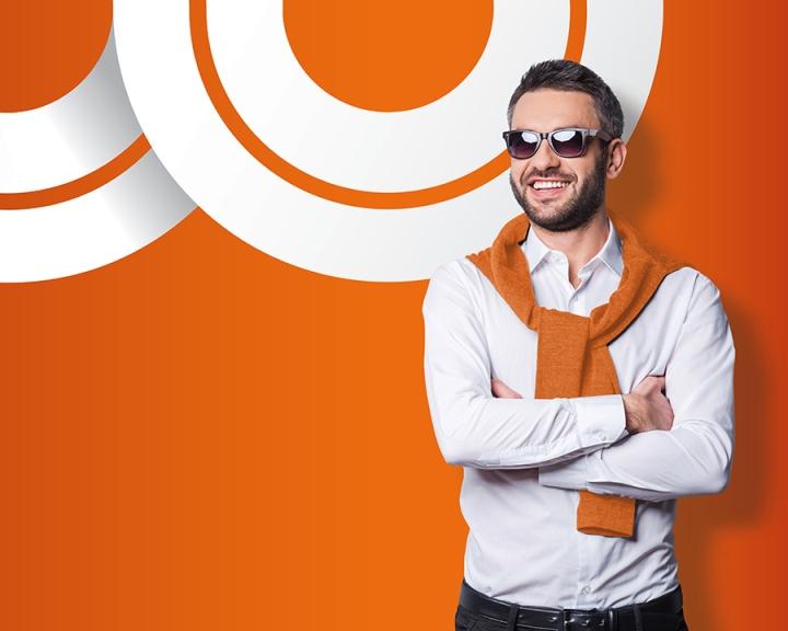 Ярко-оранжевые акценты в дизайне магазина оптики - Фото 5