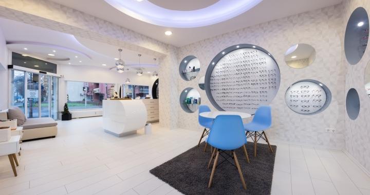 Дизайн магазина оптики: ковры с длинным ворсом
