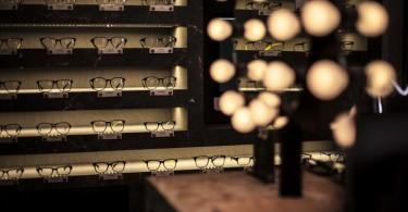 Ломка границ традиционного в дизайне магазина оптики бренда Visual Mass