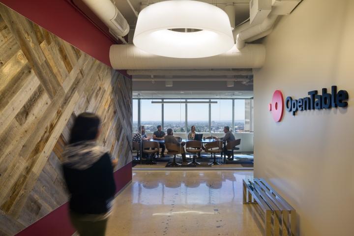 Дизайн маленького офиса от Kamus + Keller Interiors | Architecture в Калифорнии: выход к конференц-залу