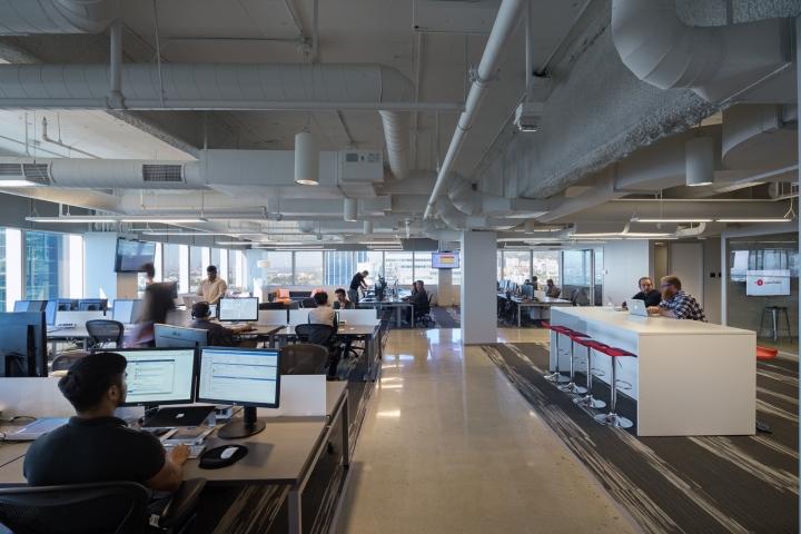 Дизайн маленького офиса от Kamus + Keller Interiors | Architecture в Калифорнии: рабочая зона