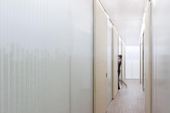 Дизайн медицинского учреждения: коридор клиники