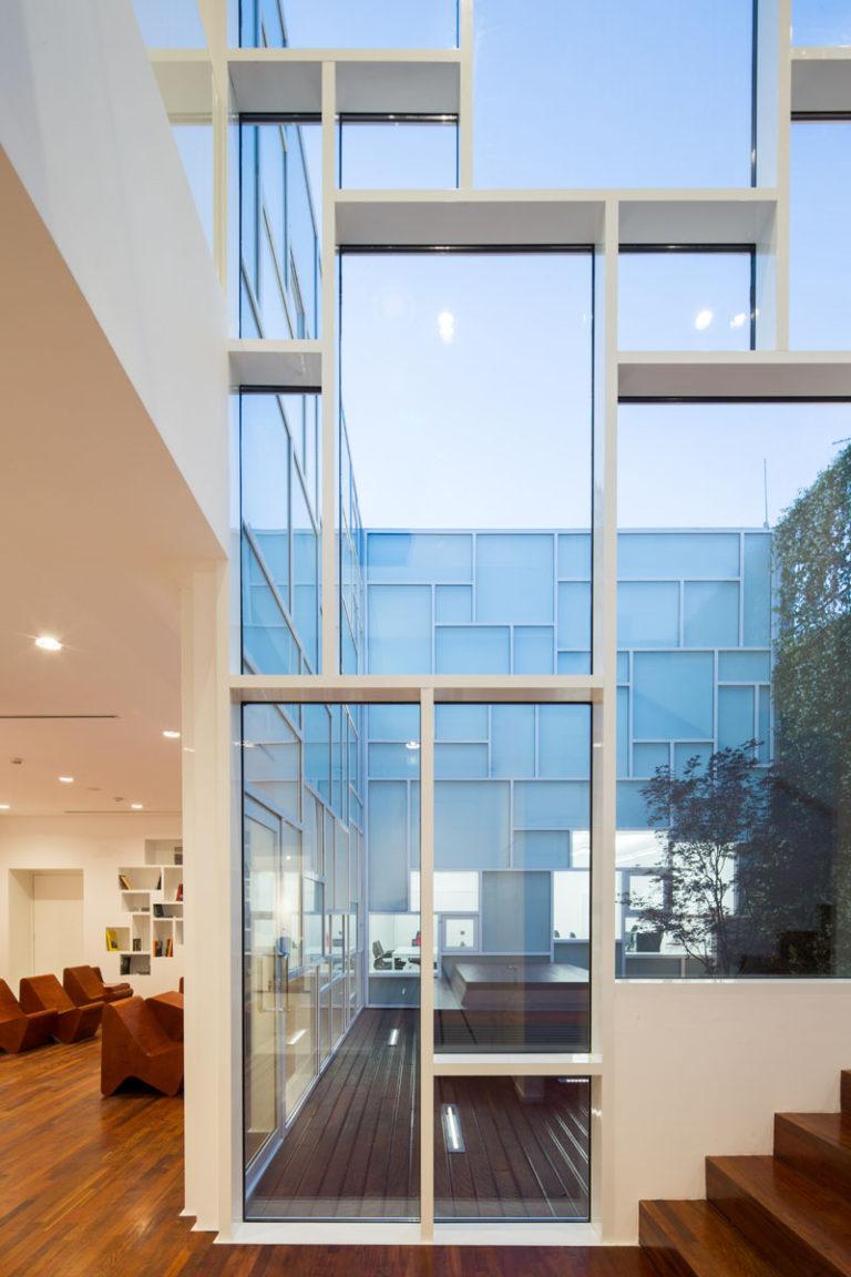 Дизайн музея FOAM: вид изнутри
