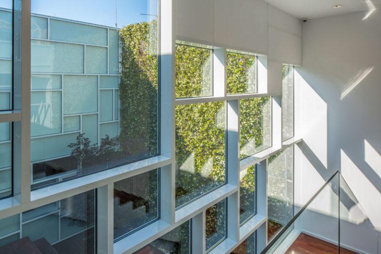 Дизайн музея FOAM: игра солнечного света