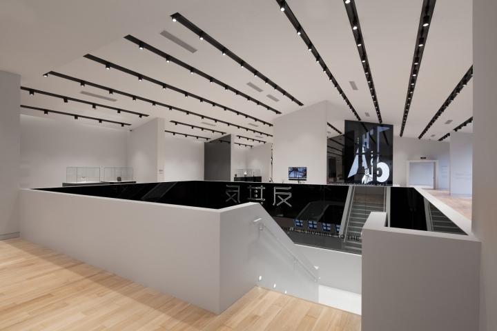 Дизайн музея стекла: открытое яркое пространство