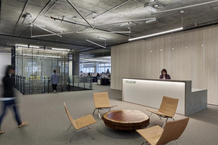 Дизайн офиса в серых тонах