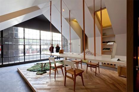 Дизайн офисного рабочего места: естественный свет