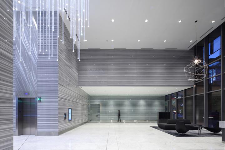 Дизайн освещения офиса от MCM Interiors в Ванкувере