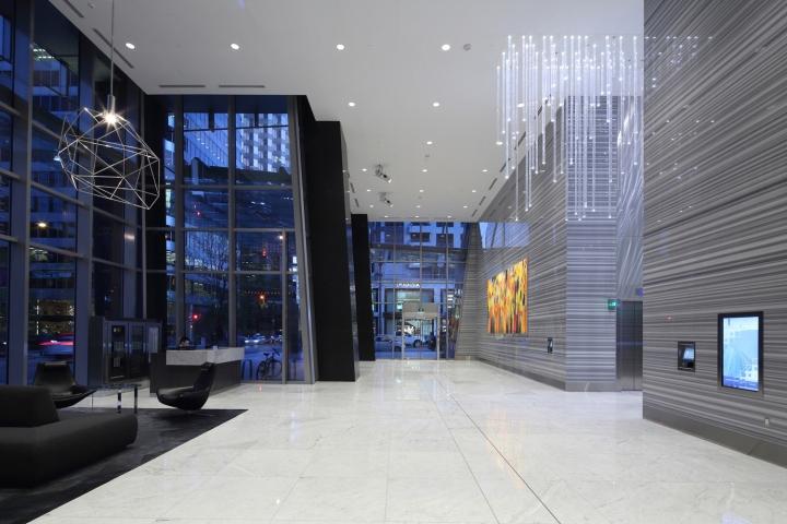 Дизайн освещения офиса от MCM Interiors в Ванкувере - дизайн фойе