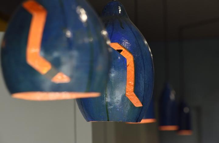 Дизайнерские светильники в дизайне парикмахерской - Фото 7