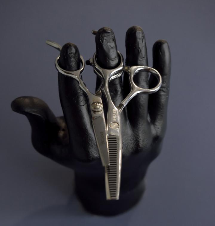 Авторский декор в дизайне парикмахерской - Фото 4