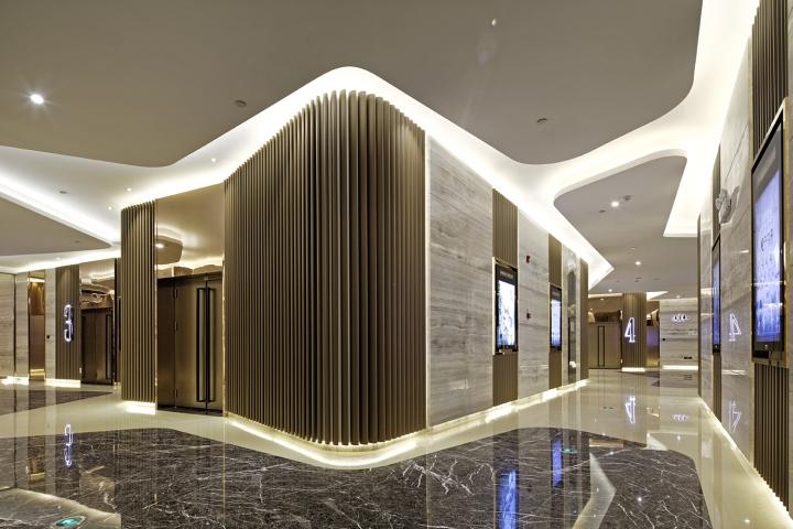 Дизайн-проект кинотеатра Palace Cinema в Китае: глянцевые поверхности