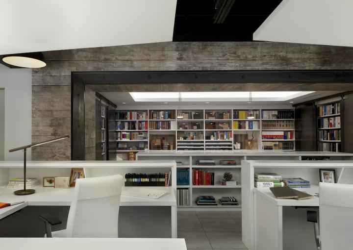 Дизайн-проект офиса в Иллиноисе, США: панели на потолке