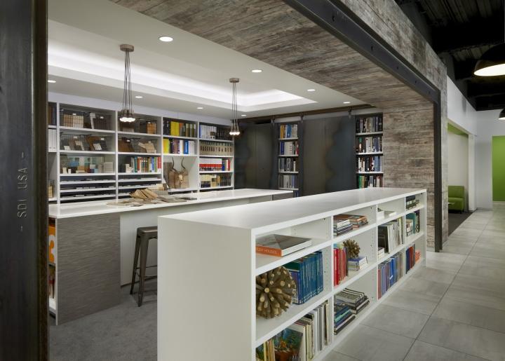 Дизайн-проект офиса в Иллиноисе, США: выдвижные доски