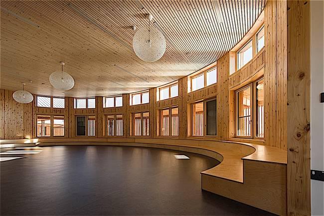 Дизайн школы: фото интерьера