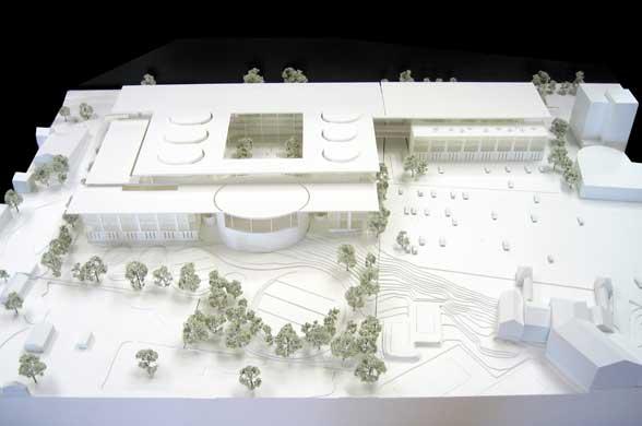Оригинальный дизайн школы менеджмента Edward P. Evans Hall: макет школы