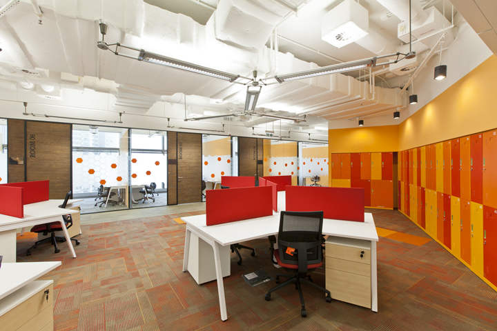 Яркие цвета в интерьере штаб-квартиры Cyberport Smart-Space