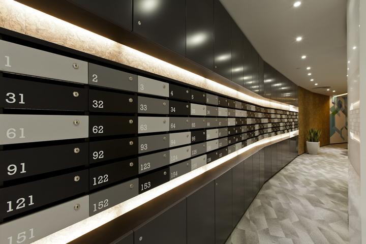 Дизайн штаб-квартиры Smart Space: ящички для почты в чёрных оттенках