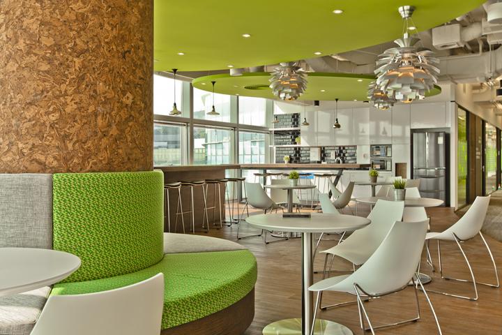 Люстры в виде шишек в дизайне штаб-квартиры Smart Space