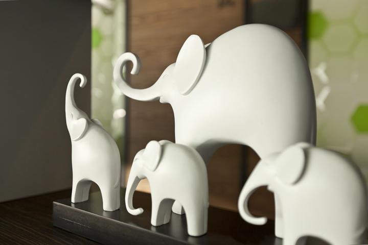 Декор штаб-квартиры Smart Space: фигурки слоников
