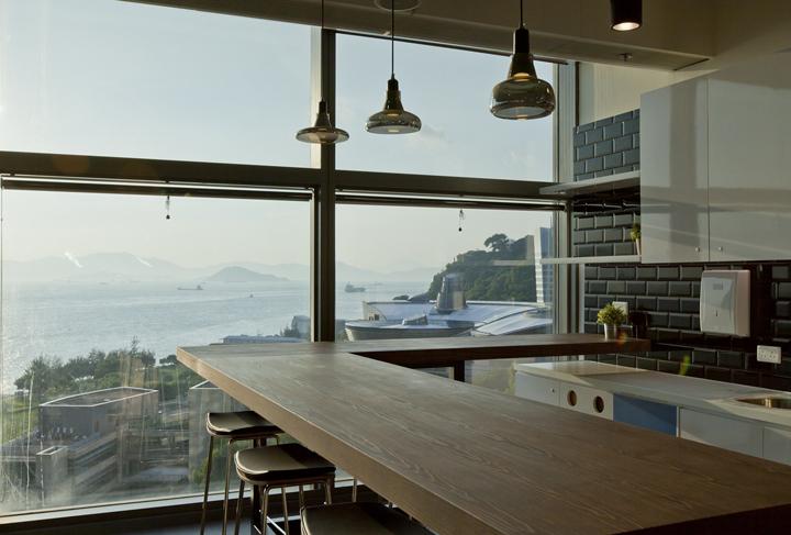 Дизайн штаб-квартиры Smart Space: панорамный вид из окна офиса