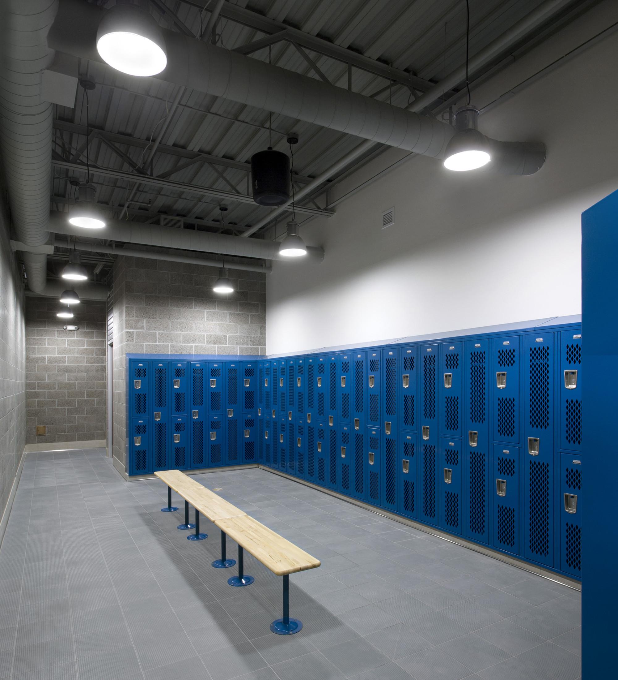 Дизайн спортивного комплекса: раздевалка