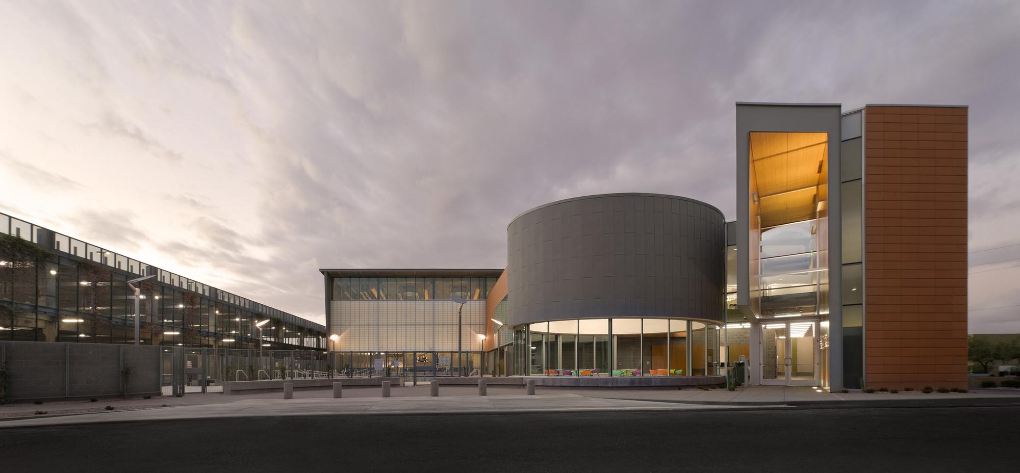 Дизайн спортивного комплекса: внешний вид