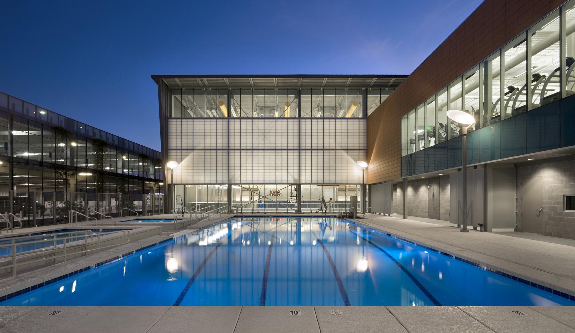 Дизайн спортивного комплекса: бассейн