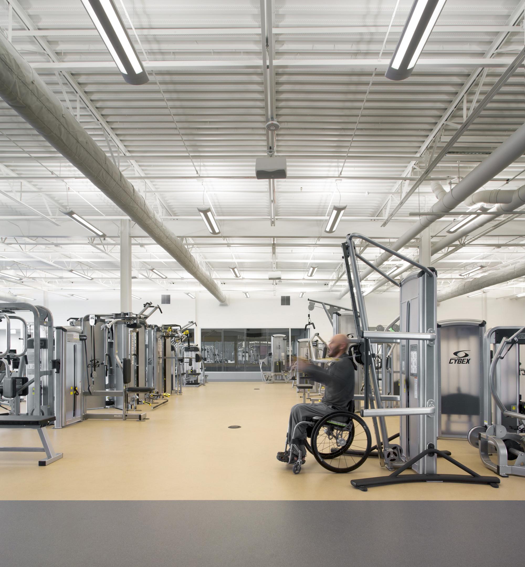 Дизайн спортивного комплекса: тренажёрный зал