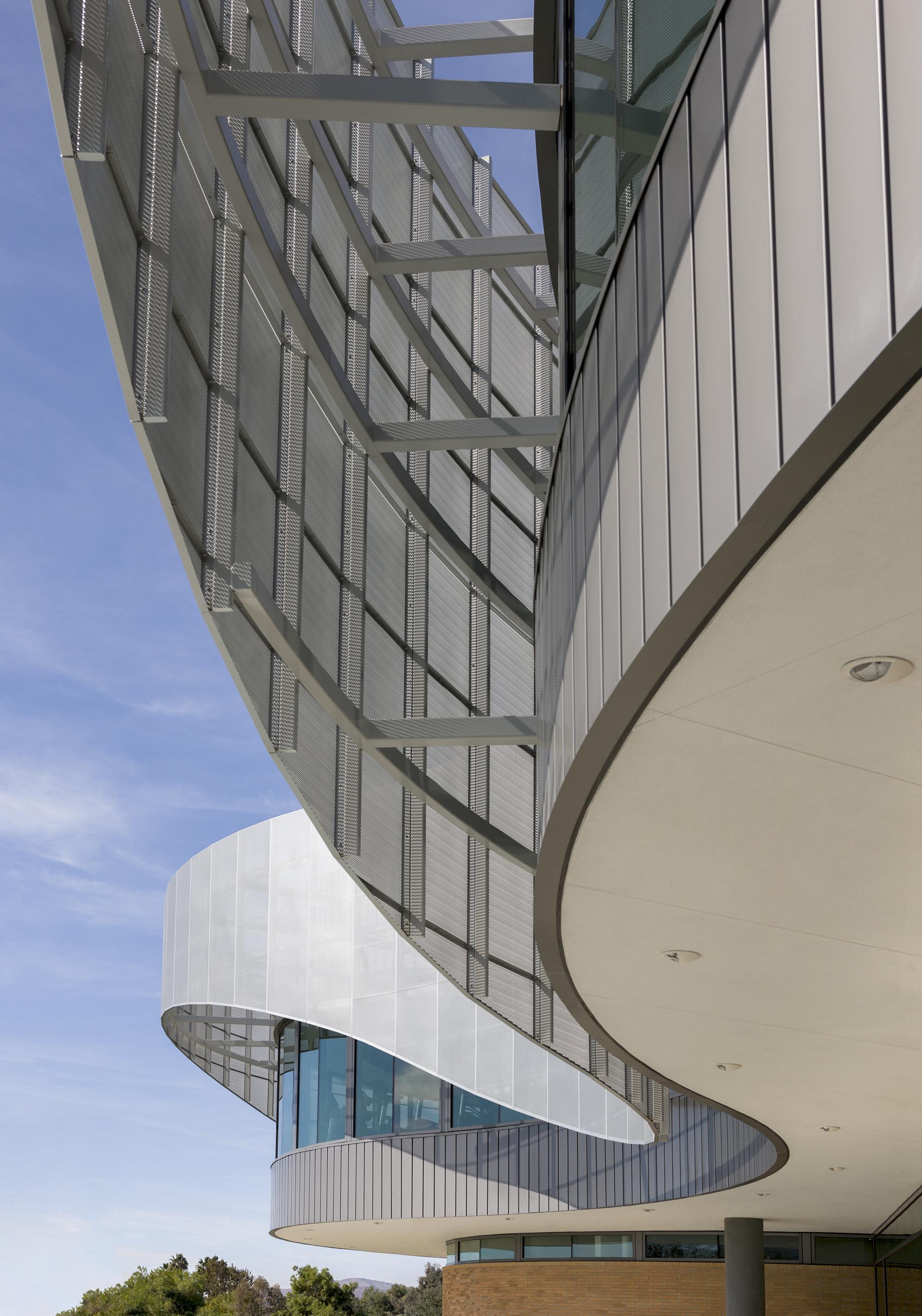 Дизайн спортивного комплекса – Необычная конструкция