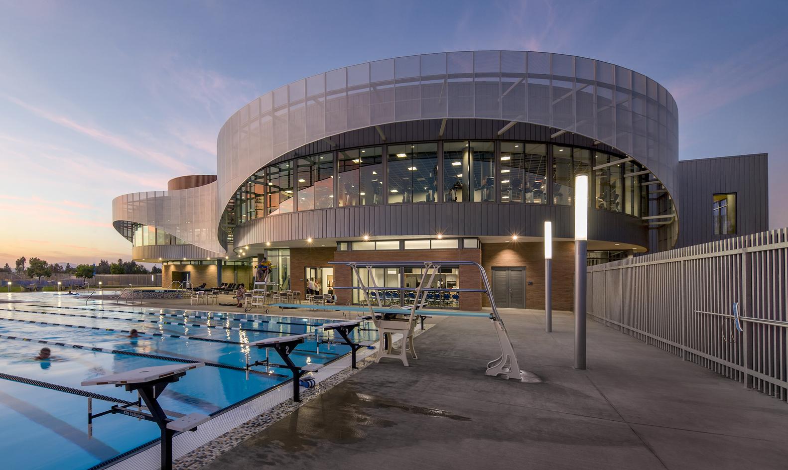 Дизайн спортивного комплекса – Открытый бассейн