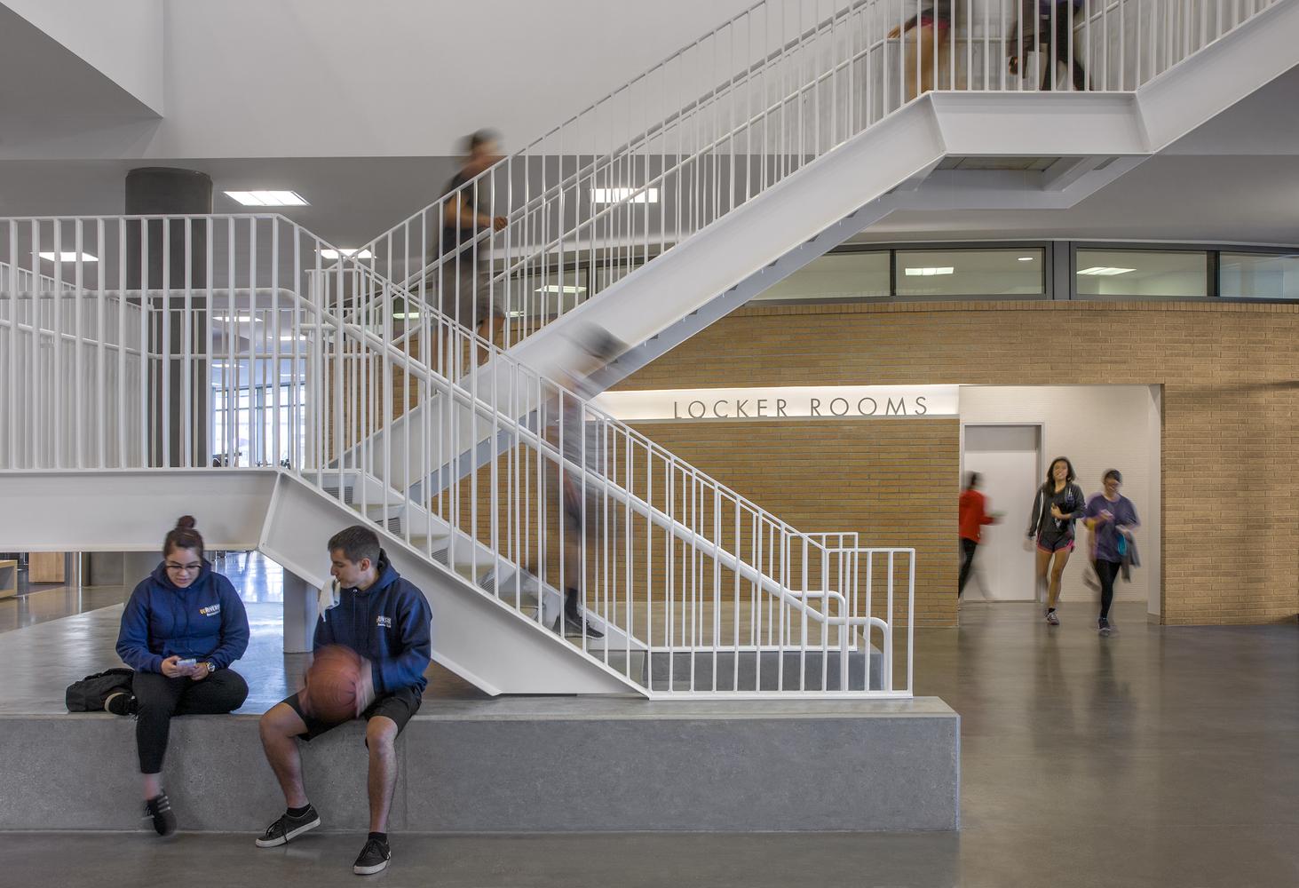 Дизайн спортивного комплекса – Первый этаж