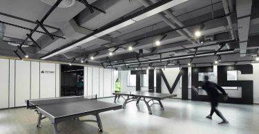 дизайн спортивного центра в чёрно-белом стиле