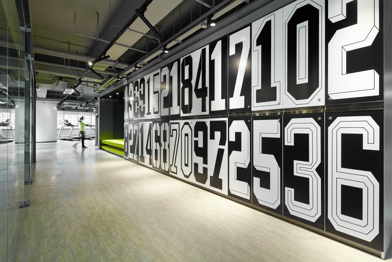 Дизайн спортивного центра – Оригинальные шкафчики