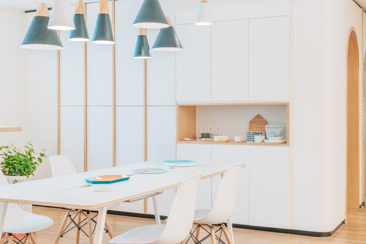 Дизайн стоматологической клиники: проём для посуды
