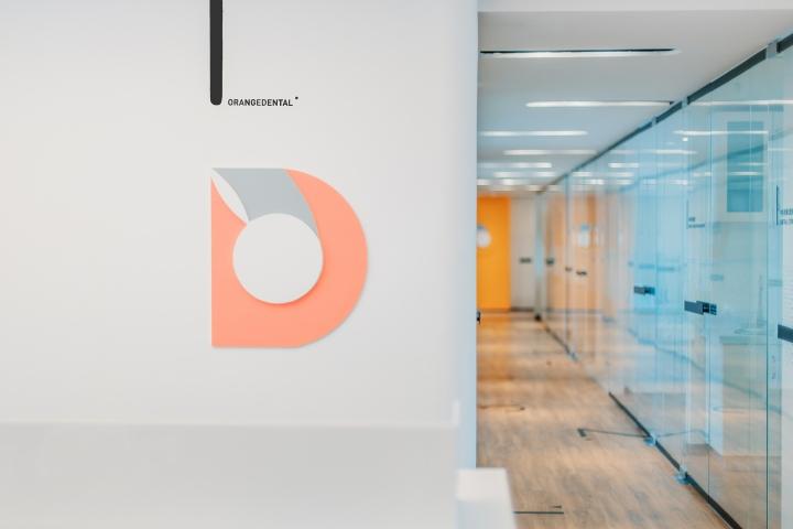 Дизайн стоматологической клиники: логотип фирмы
