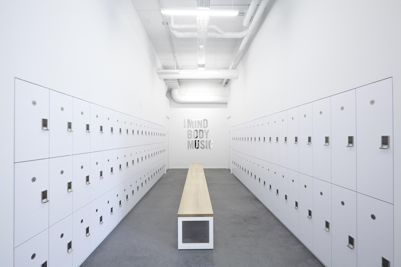 Дизайн тренажёрного зала – Раздевалка