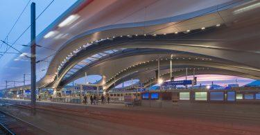 Нестандартные формы, балки и арки создают бесподобный дизайн вокзалов