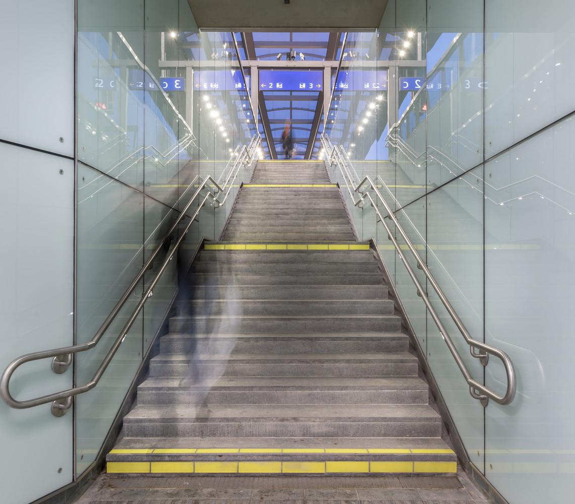 Оригинальный интерьер железнодорожного вокзала вокзала - Фото 4