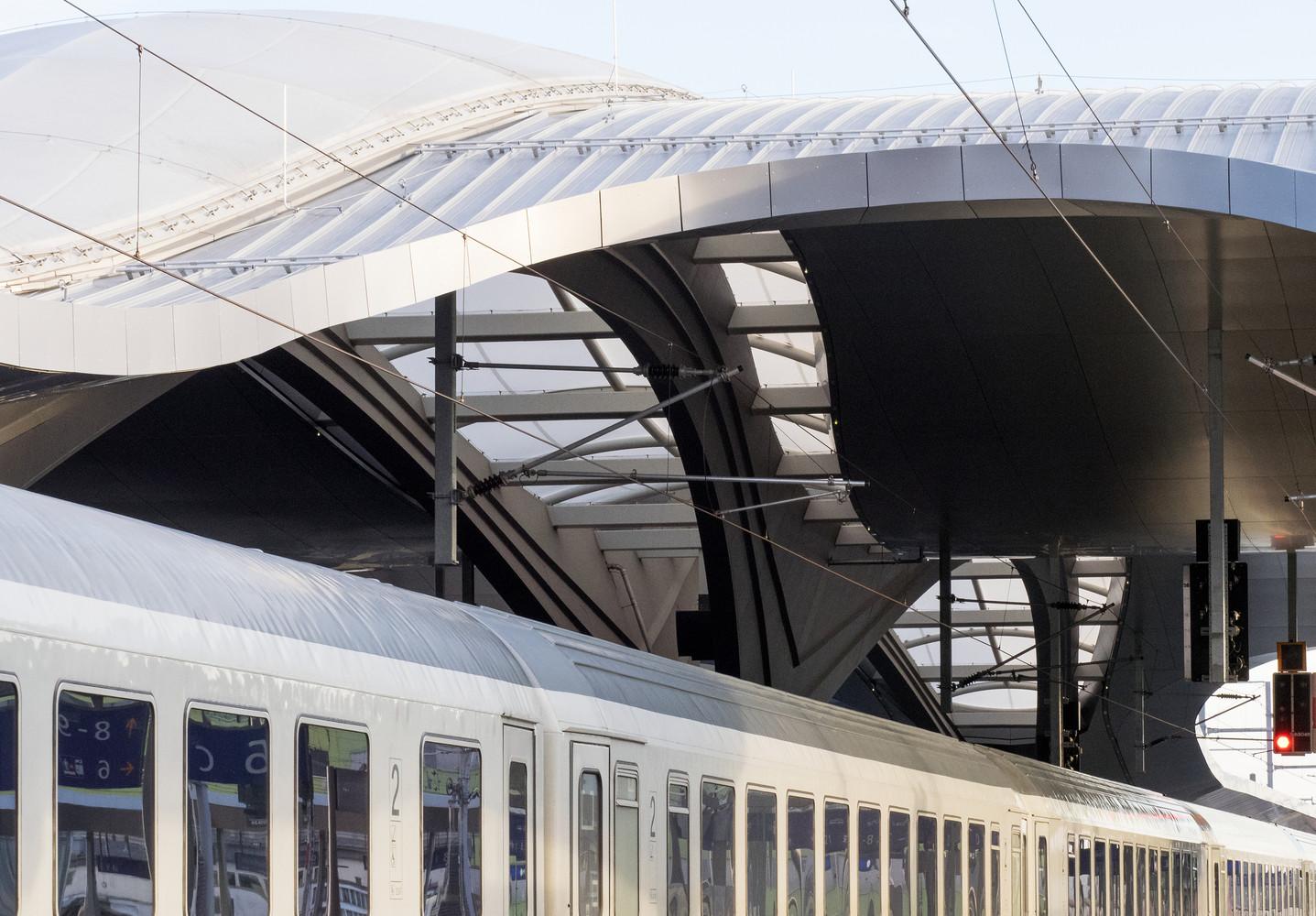 Оригинальный интерьер железнодорожного вокзала вокзала - Фото 8