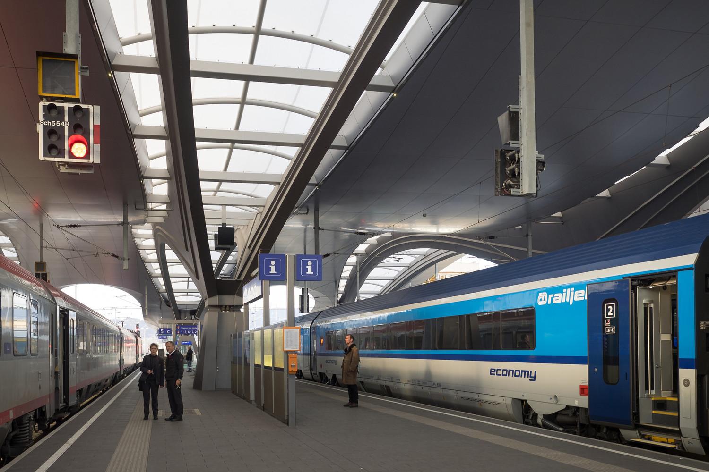 Оригинальный интерьер железнодорожного вокзала вокзала - Фото 10