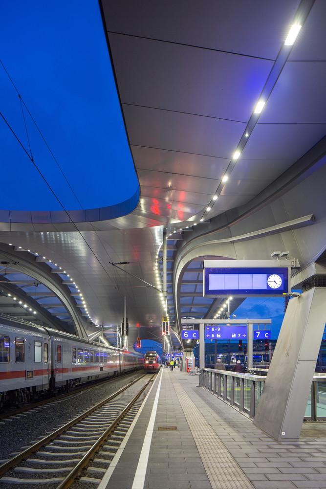 Оригинальный интерьер железнодорожного вокзала вокзала - Фото 17