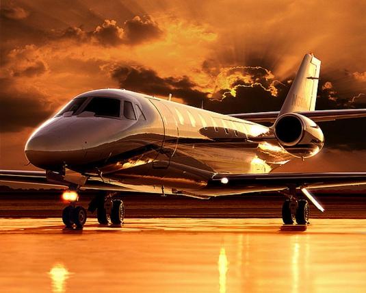 Двухмоторный самолёт Cessna 680 Citation Sovereign для коммерческой перевозки пассажиров